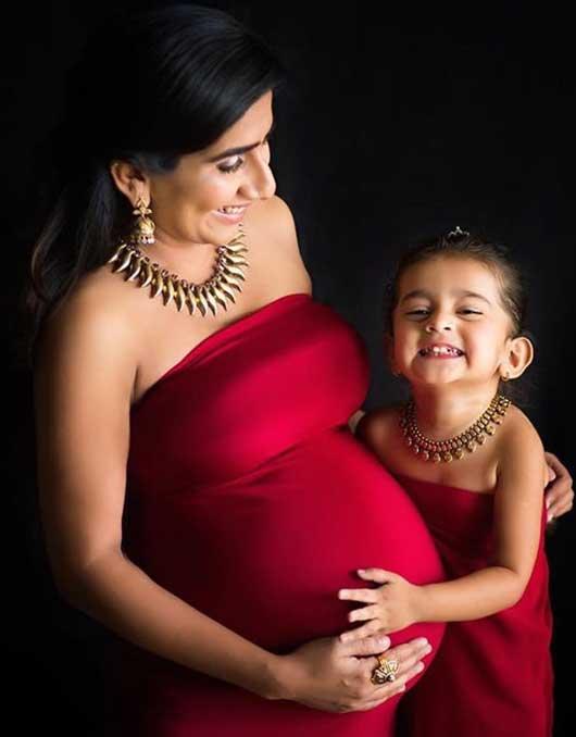 Nikita Vanjara Photoshoot During Pregnancy