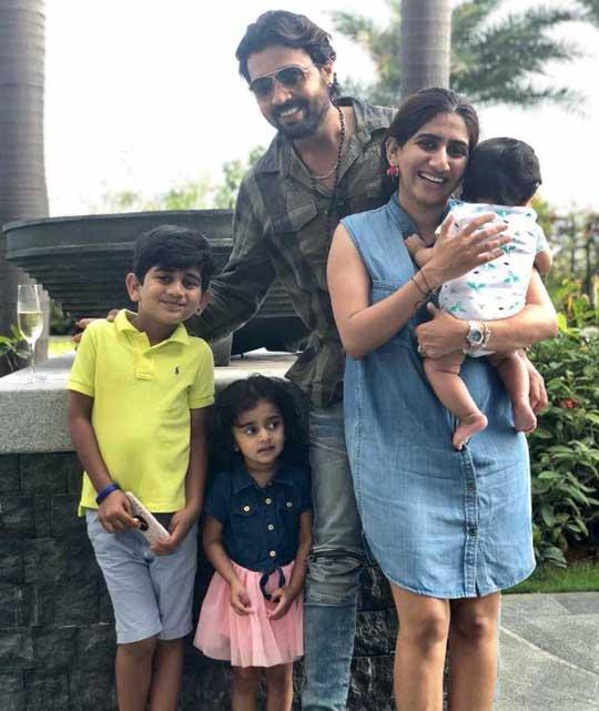 Nikita Vijay With Family