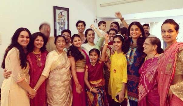 Shivangi Kolhapure Full Family Photo