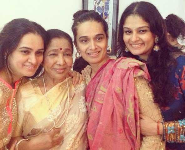Shivangi Kolhapure With Asha Bhosale