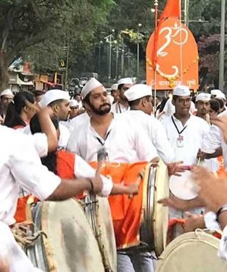 Suyash Tilak Dhol likes To Play Dhol