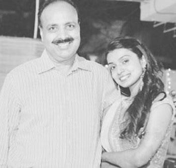 mayuri deshmukh with dad
