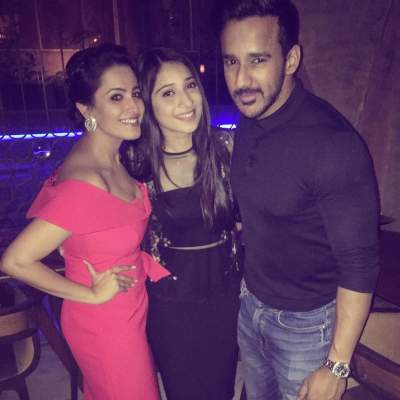rohit reddy with sister vrushika mehta