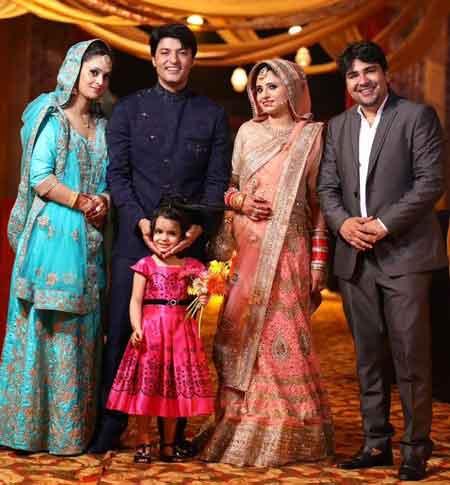 Anas Rashid With Family