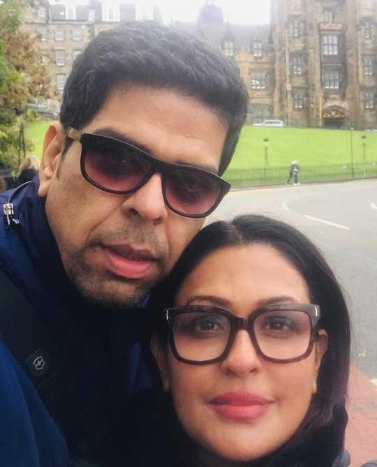 Ashwini Kalsekar With Husband Murali Sharma