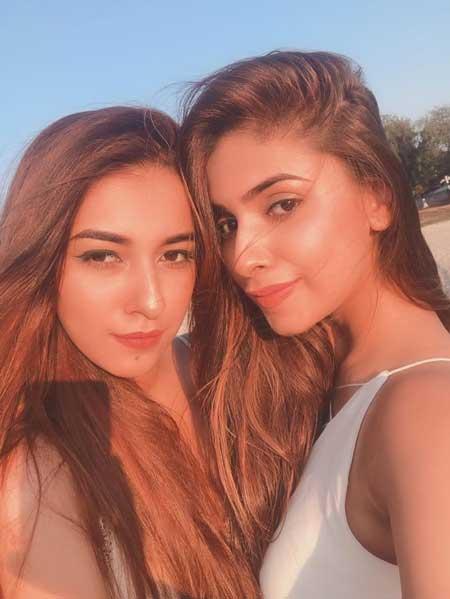 Avantika Hundal With Sister Faaya Hundal