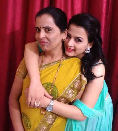 Prajakta Gaikwad With Mom
