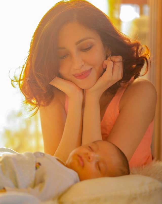 actress saumya tandon shared a photo on instagram with newborn son