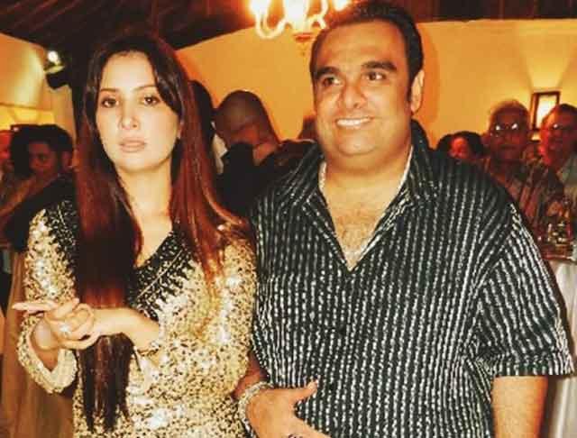 bollywood actresses kim sharma with husband ali punjani