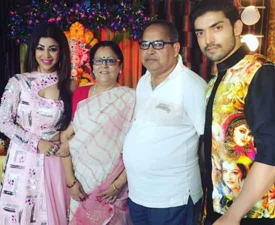 debina bonnerjee with family