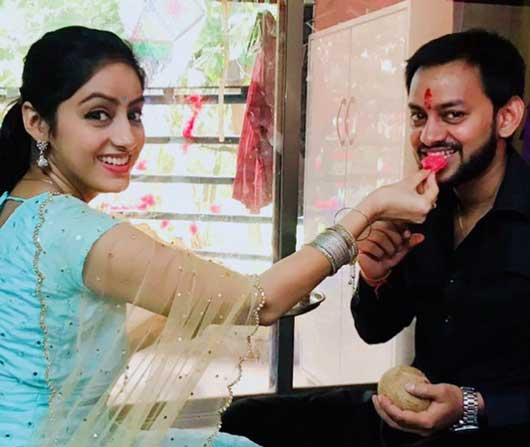 deepika singh with brother