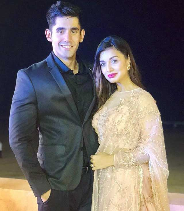 divya agarwal with boyfriend varun sood