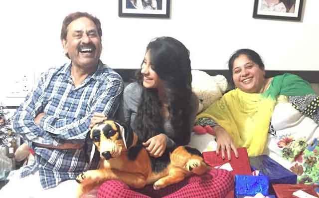 hiba nawab with family