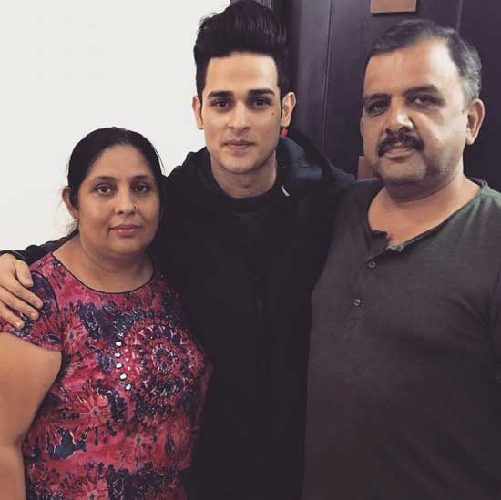 priyank sharma with family