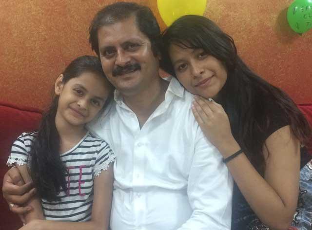 rohitash gaud with daughters