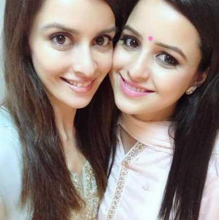ekta kaul with sister bharti kaul