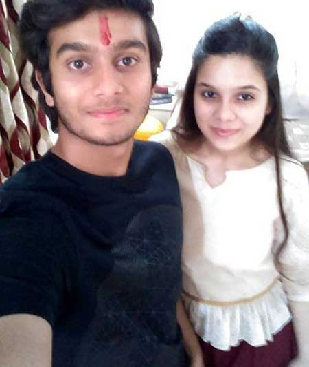 rashmi agdekar with brother abhishek agdekar