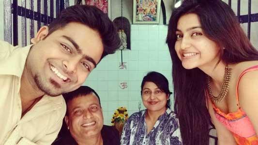 Avantika Mishra With Family