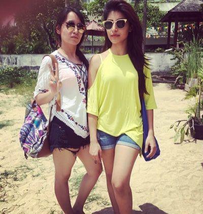 Harshita Gaur With Sister Ritika Gaur